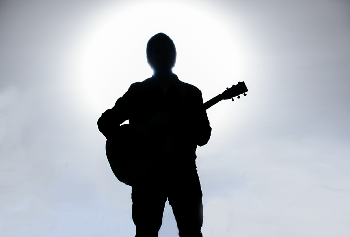 3735-Dylan-half-body-silhouette-guitar-x
